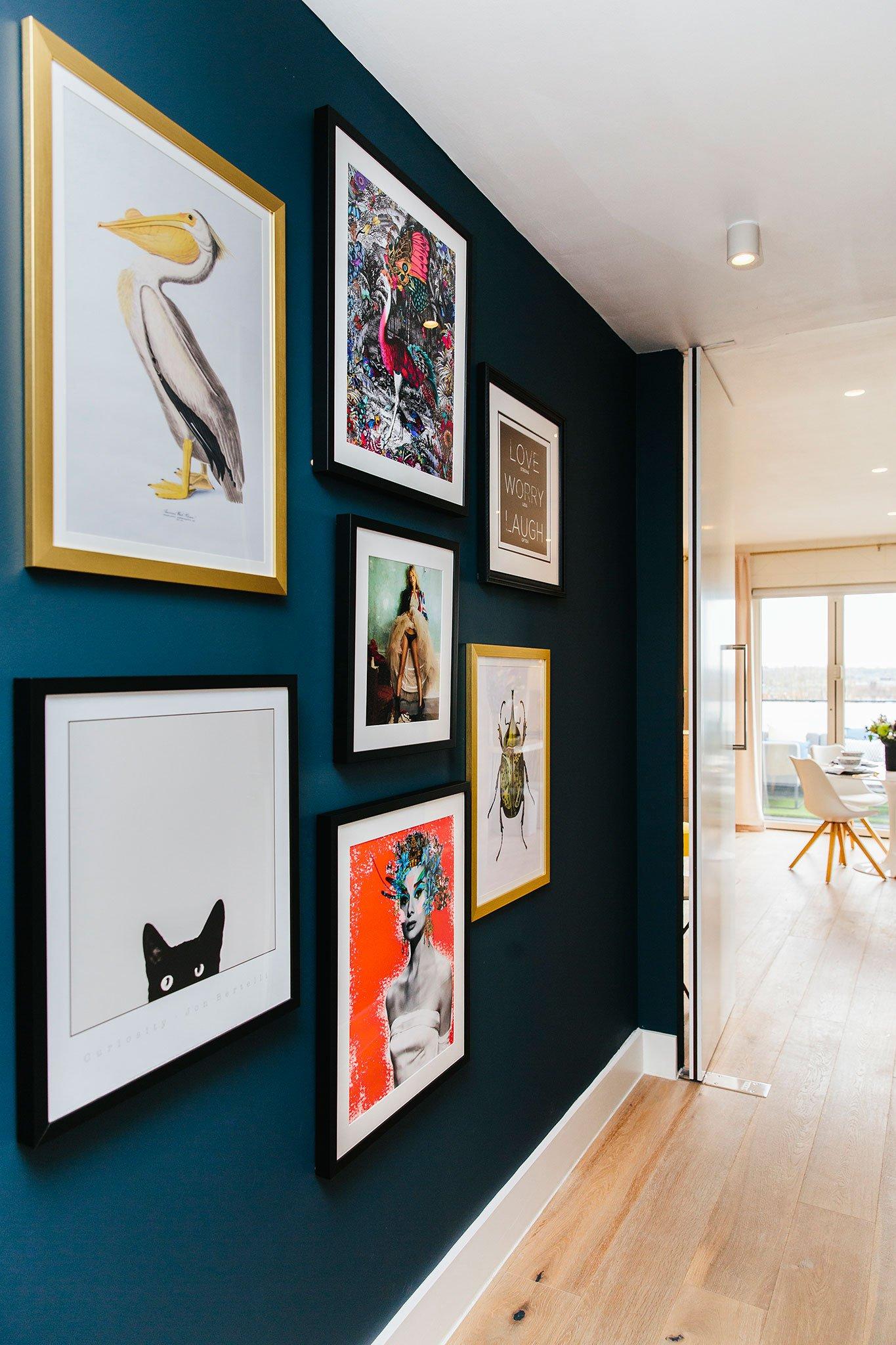 gallery wall hallway design