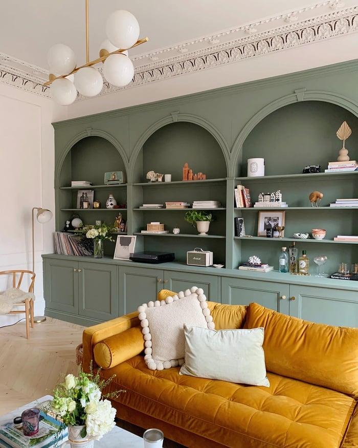 @katelavie-green-02-living-room