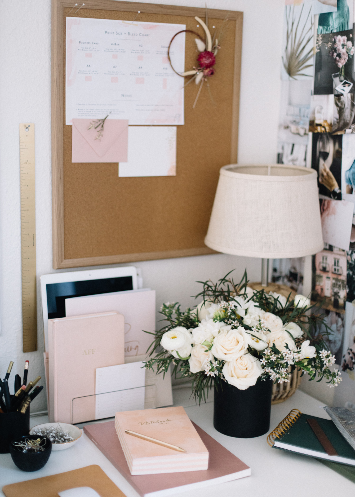How+to+Keep+Your+Desk+Organized++|+A+Fabulous+Fete