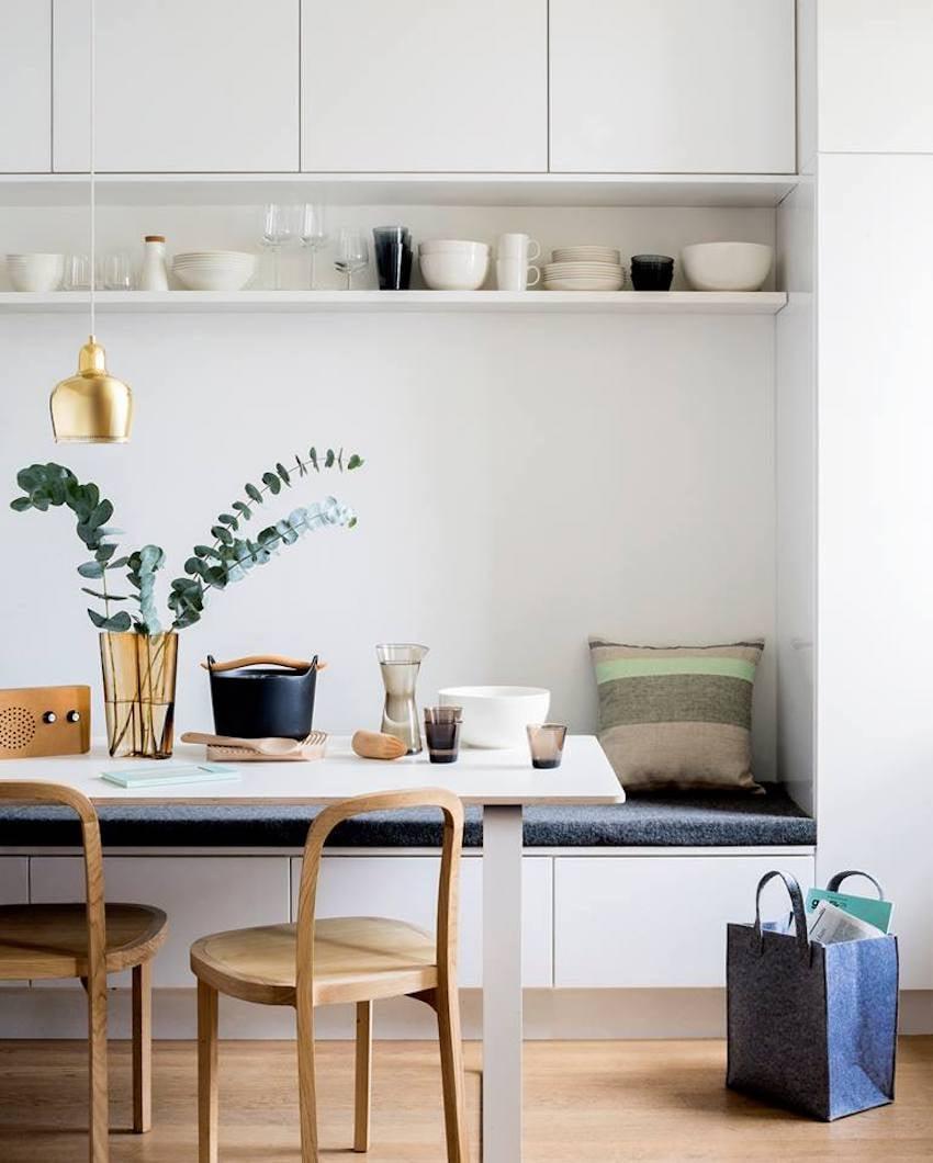 Minimal-and-subtle-kitchen-banquette-
