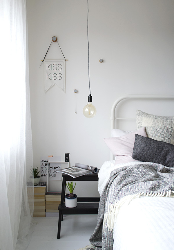 Minimal-Bedroom-Styling1