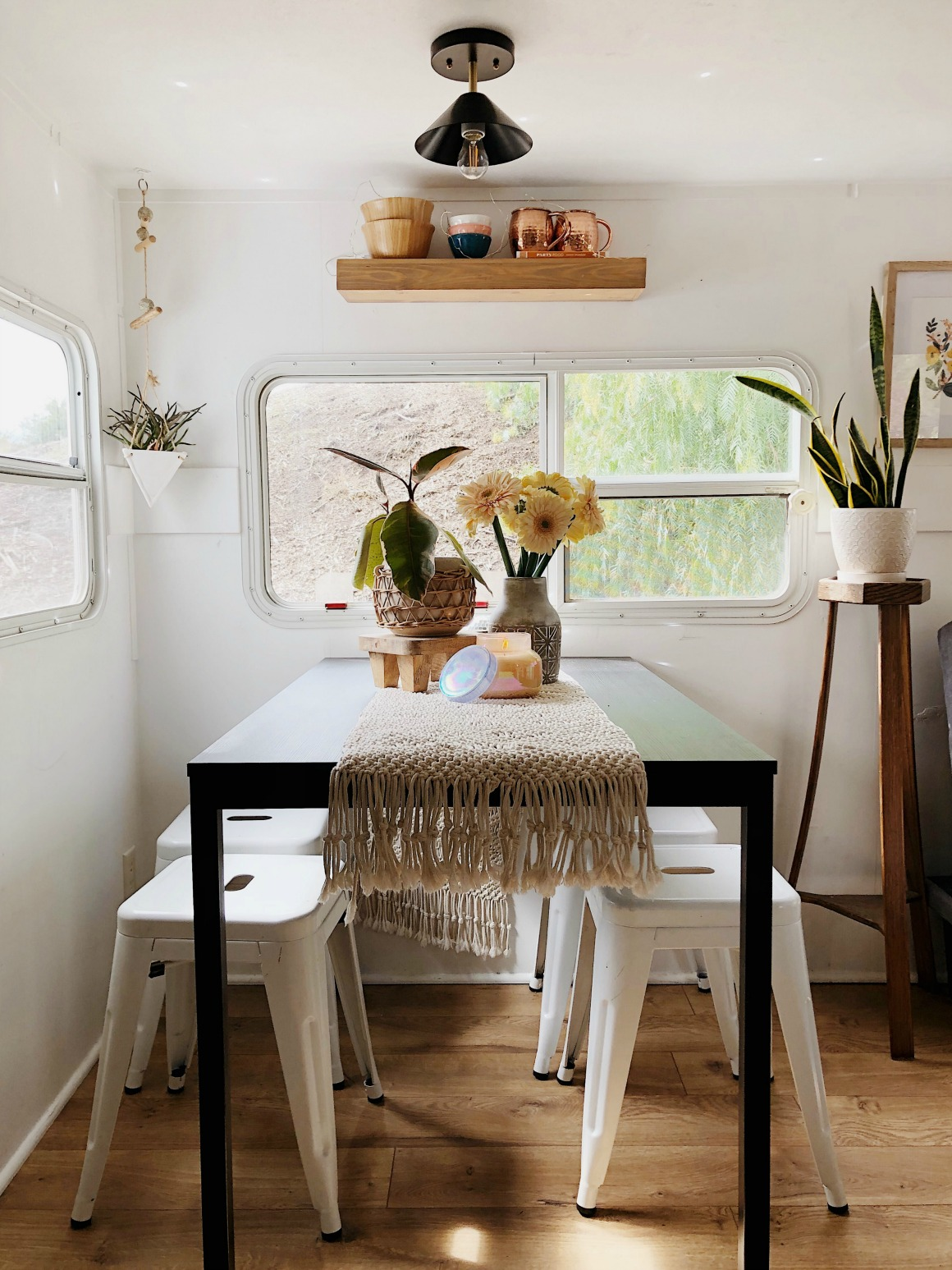 Small-Space-Living-What-living-in-an-RV-looks-like-66