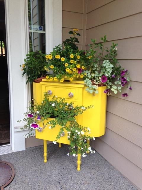 planter-repurpose-sewing-cabinet-vintage-container-gardening-flowers-gardening