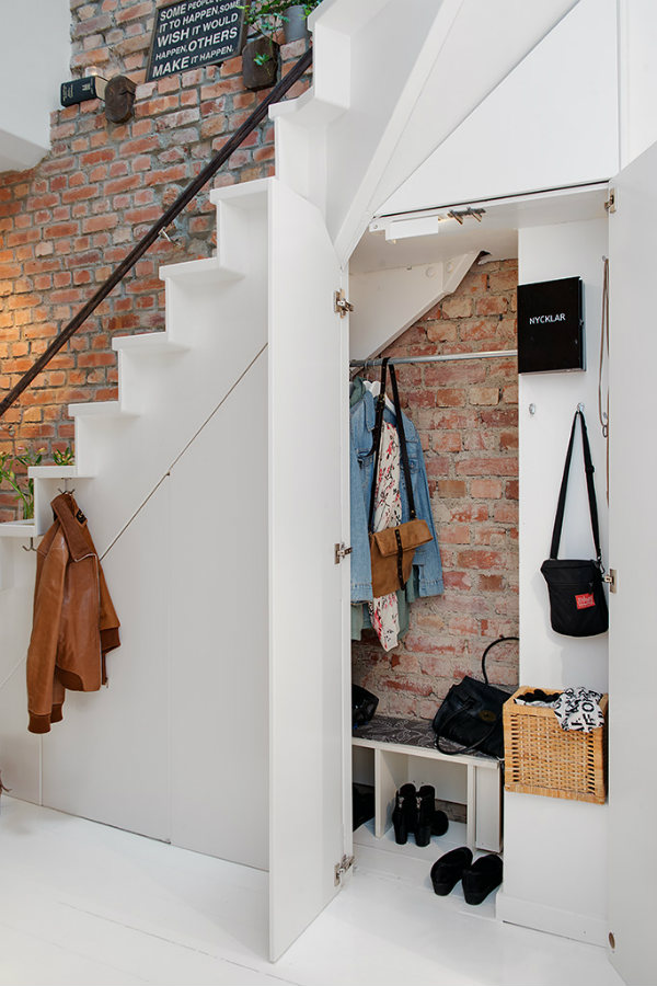 under-stairs-cloakroom-1